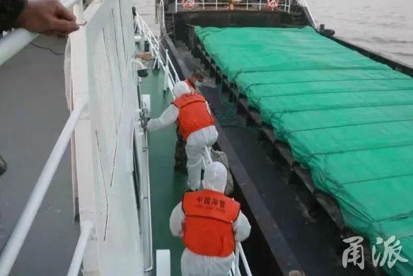 多艘船舶在象山海域非法運砂!查扣7500余噸,抓獲42人!