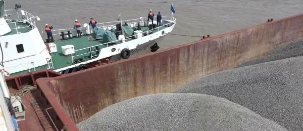 內河船舶在外海航行 海事重拳出擊進行整治